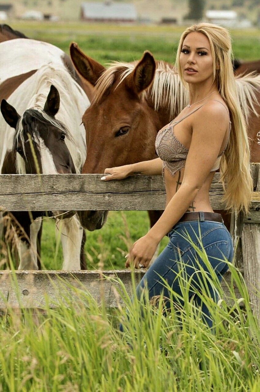 Sexy blond country girls