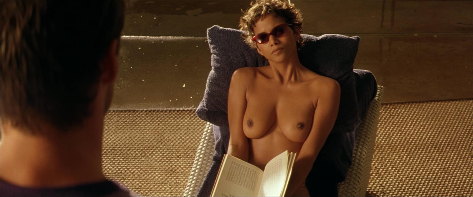 Halle berry naked tits