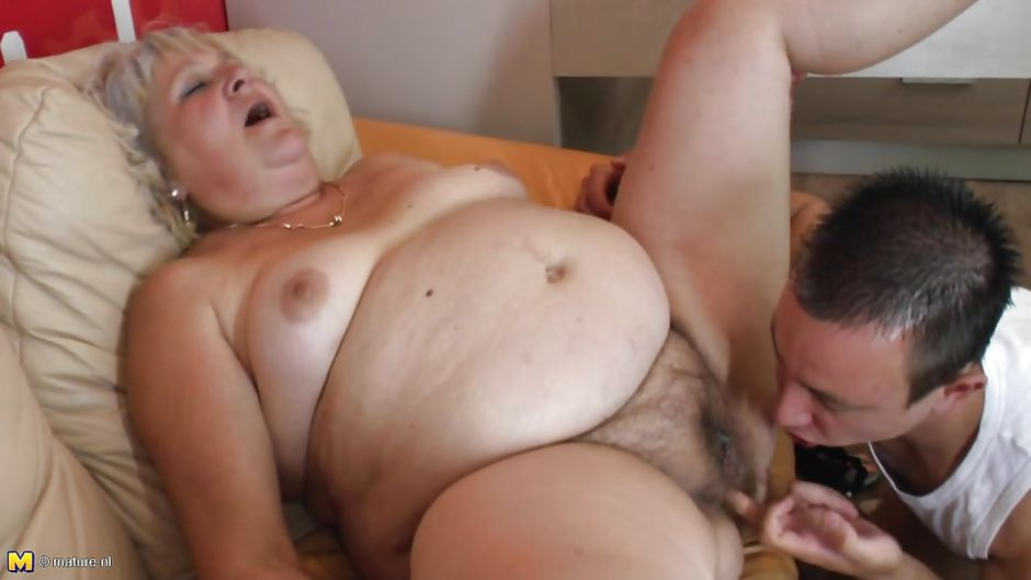 Eating fat hairy mature pussy
